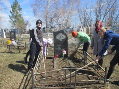С целью формирования гражданственности и патриотизма школьников, в Чёрновской школе реализуется проект «Нет забытых героев»